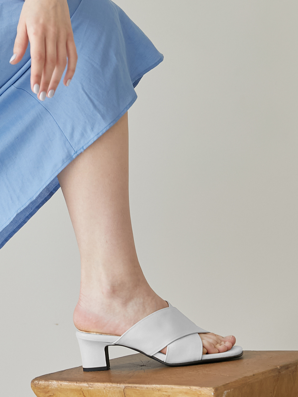 AMY SANDAL(White)
