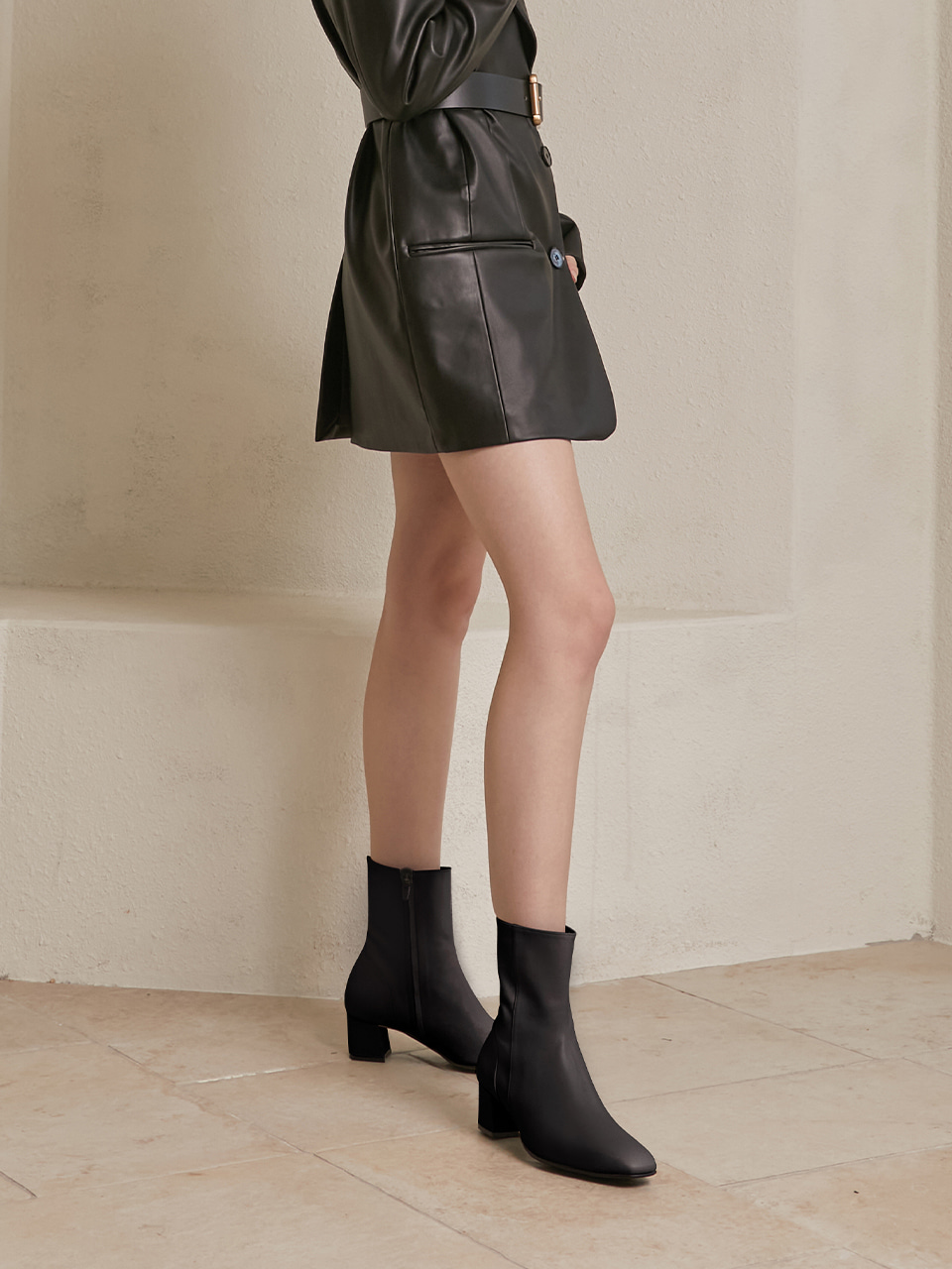 HELOISE ANKLE BOOTS(black)
