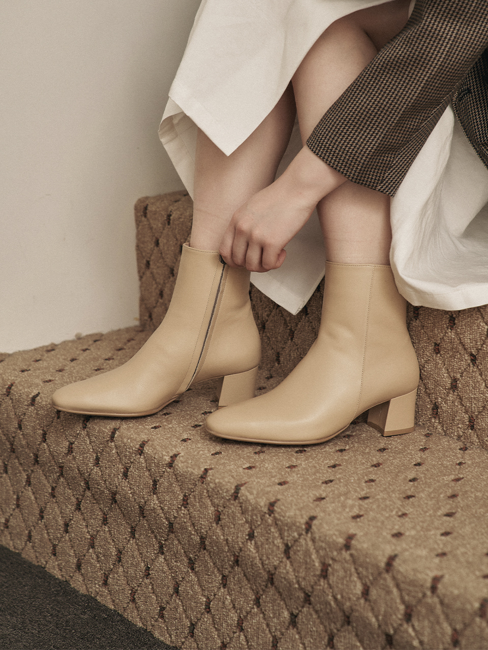 HELOISE ANKLE BOOTS(Beige)